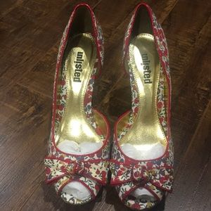 Unlisted summer platform heels